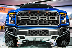 2018 Ford F-150 Raptor: Forceful Off-Roader Pickup